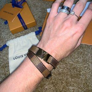 Louis Vuitton Sing it bracelet in brown